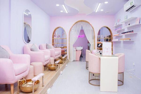 Thiết kế tiệm sử dụng gam màu hồng phấn cực kỳ nhẹ nhàng