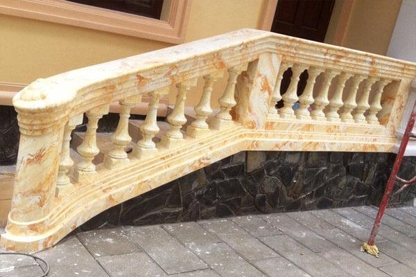 Sử dụng sơn giả đá cẩm thạch để trang trí cầu thang
